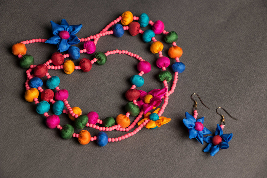 Daisey Flower Mala With Earring by Jugaad