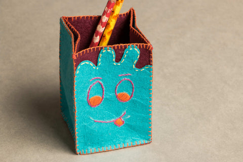 Threadwork Story Board Pen Stand - Toothy