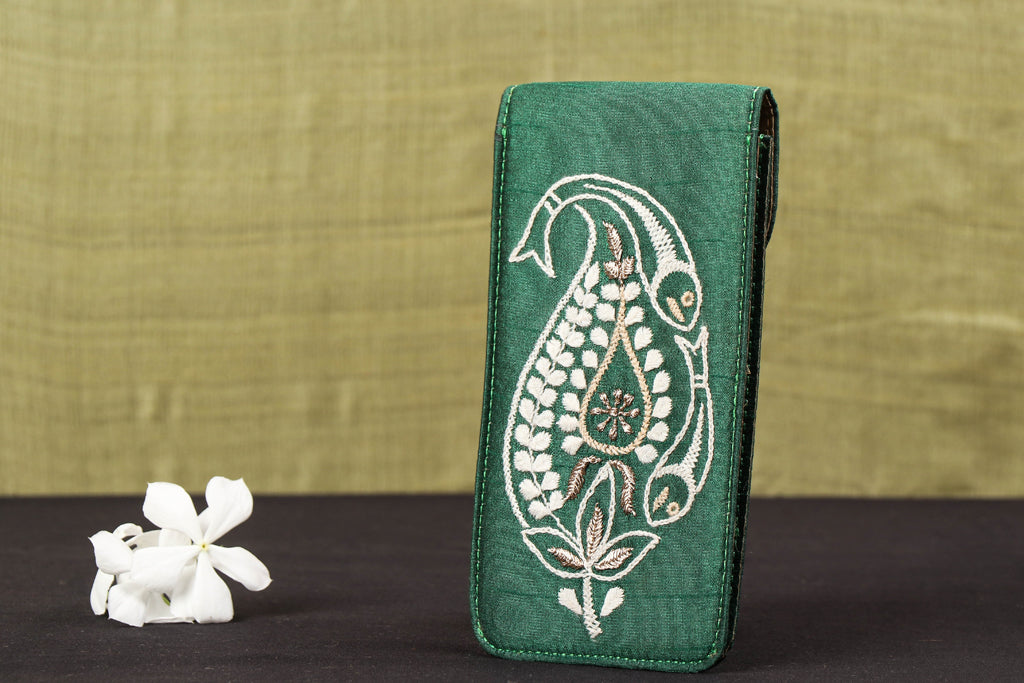 Lucknow Chikankari Hand Embroidered Poly Silk Spectacle Case
