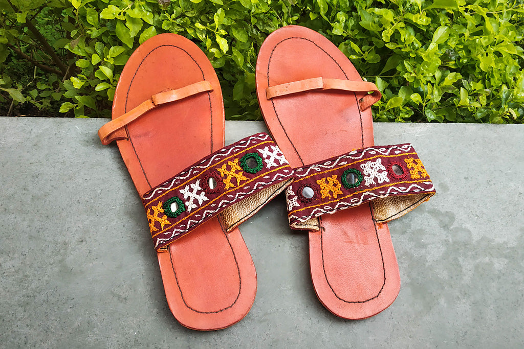 Kutch Embroidery Handstitched Leather Slipper (Size - 5)