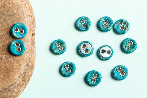 Buttonbaaz Handmade Button Small (Set of 12)