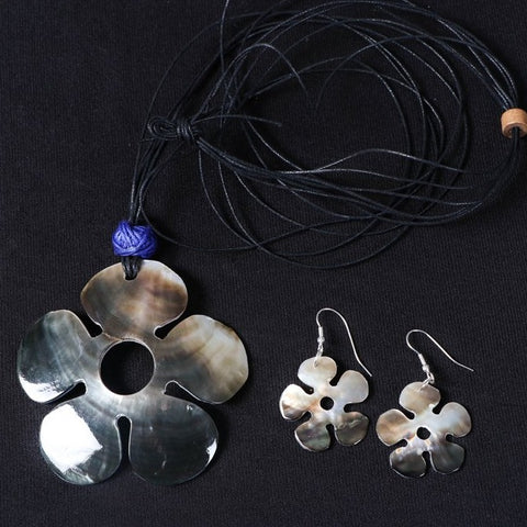 Handcrafted Seashell Necklace Set