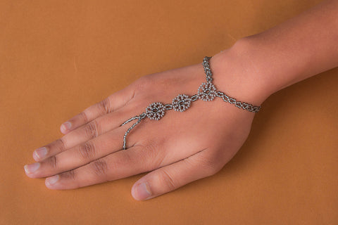 Hapur Flower Beadwork Ring Bracelet by Aagaz