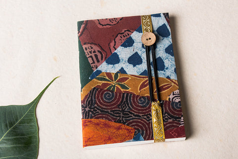 Jugaad Handmade Paper Zari Kinari Diary with Button Lock (7in x 5in)