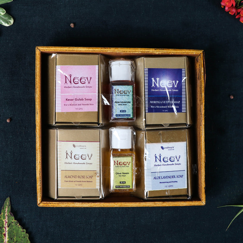 Natural Handmade Soap Gift Set (Pack of 4 75gms Soaps & 2 30ml Liquid Washes)