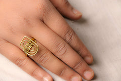 Jhilmil Wire Art Ring