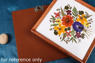 Classic Natural Flower Art Work Wall Hanging Wooden Frame (22cm x 22cm)
