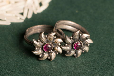 Antique Padma Sterling Silver Toe Ring (adjustable)