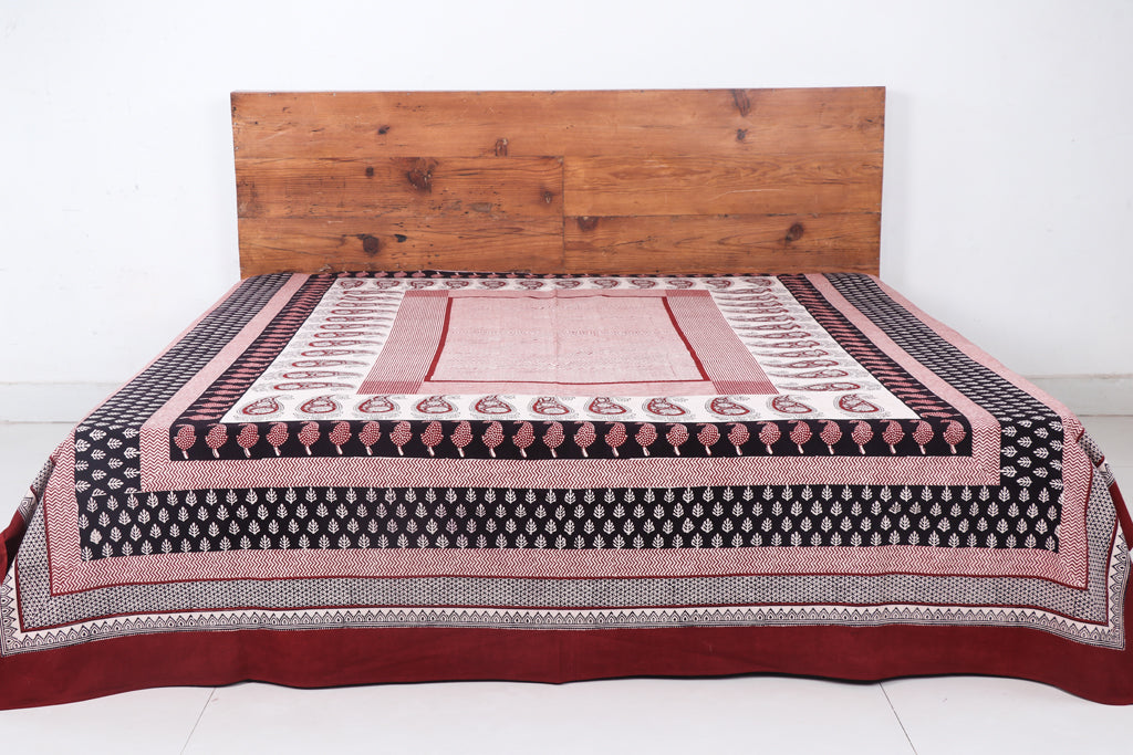 Bagh Hand Block Print Natural Dyed Pure Cotton Double Bed Cover (110 in x 90 in)