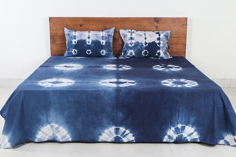 Shibori Tie-Dye Indigo Cotton Double Bed Cover with Pillow Covers (114 in x 90 in)