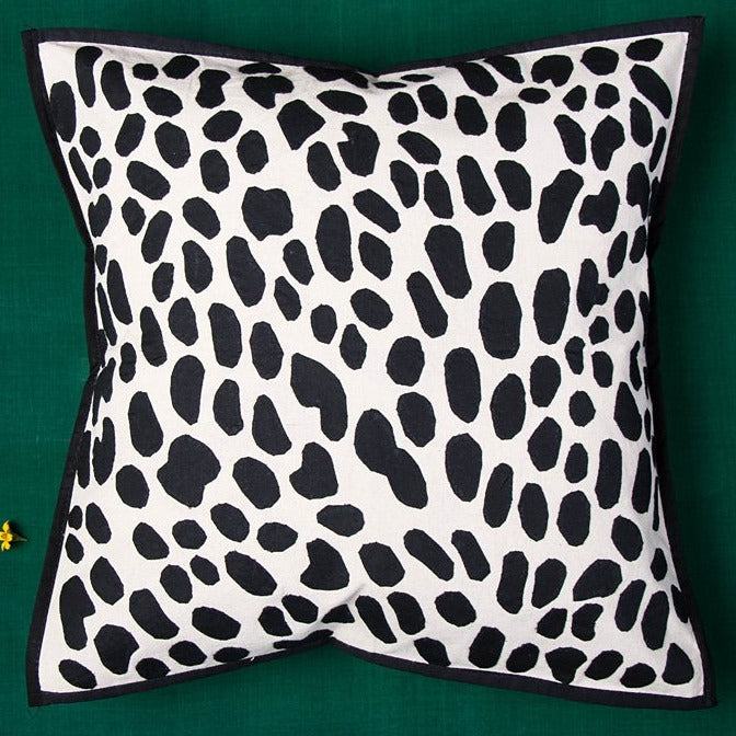 Bakhiya Tanka Applique Work Cotton Cushion Cover (16 x 16 inches)