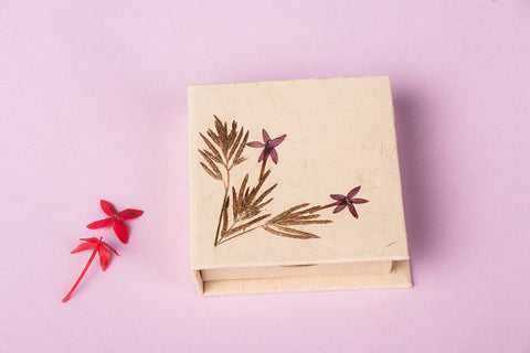 Flower Art Work Chit Box with Note Slips