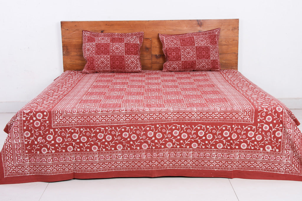 Dabu Block Printed Cotton Double Bed Cover with Pillow Covers (90 x 108 in)