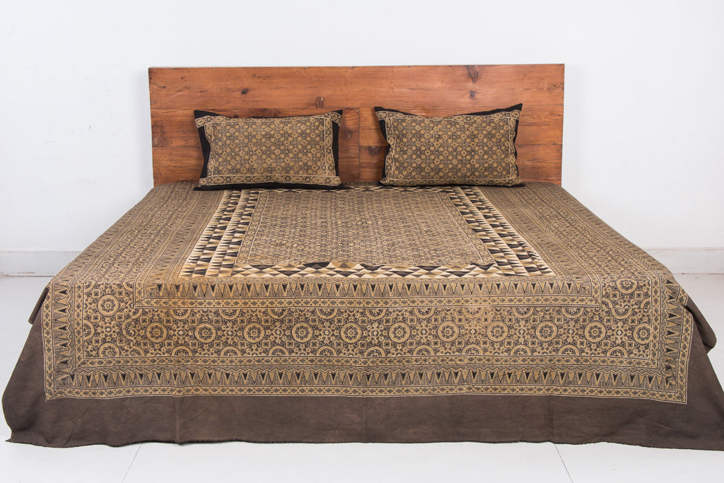 Ajrakh Block Print Natural Dyed Cotton Double Bed Cover with Pillow Covers (108 in x 86 in)