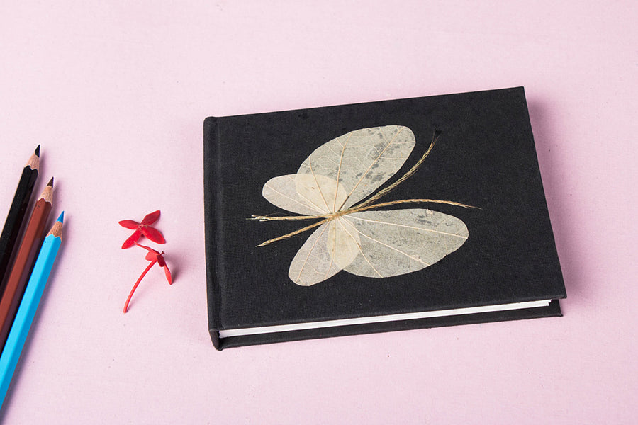 Flower Art Work Special Visitor Notebook (4.5 in x 5.7 in)