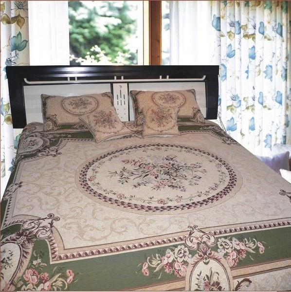 Bedding: Victorian Floral Medallion Woven Tapestry Bedspread Set