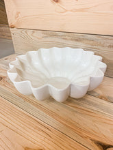 Load image into Gallery viewer, Red Wing Centerpiece Bowl
