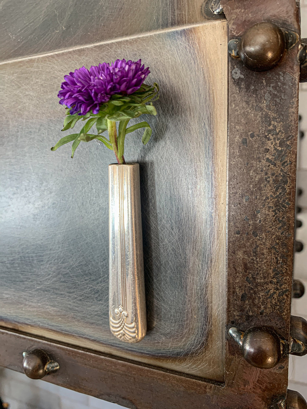Magnetic Knife Handle Bud Vase