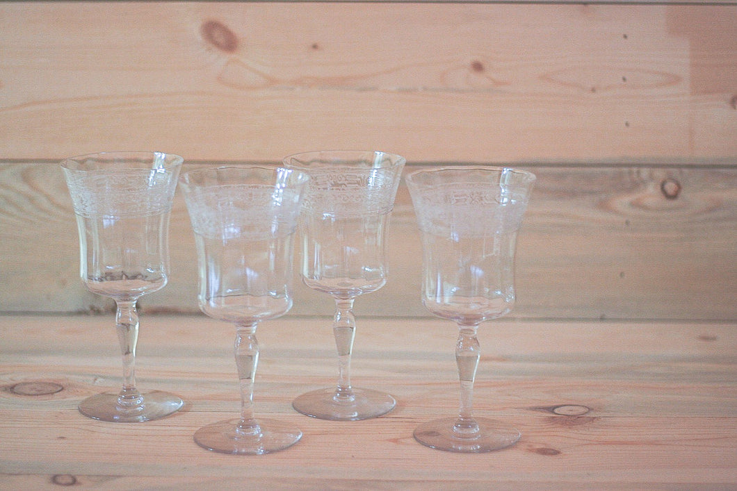 Etched Rim Wine Glasses
