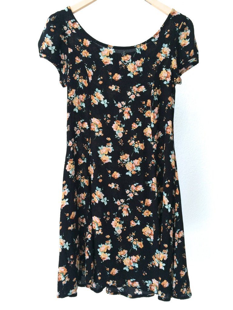 90's Floral Black - SOLD OUT