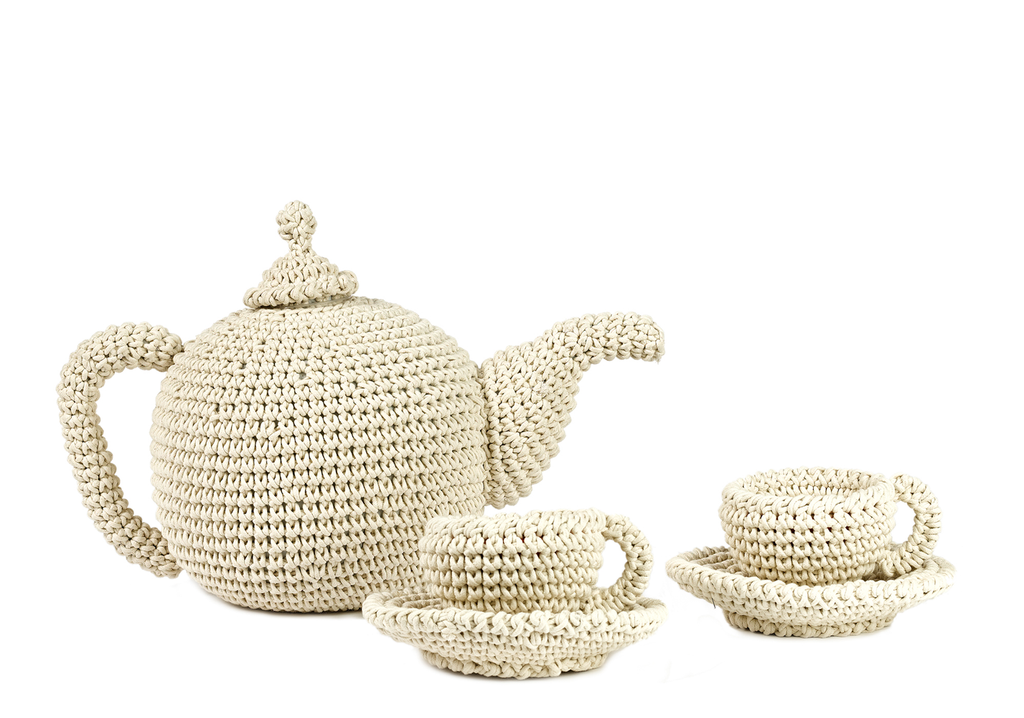 Anne Claire Petit Big Crocheted Tea Set