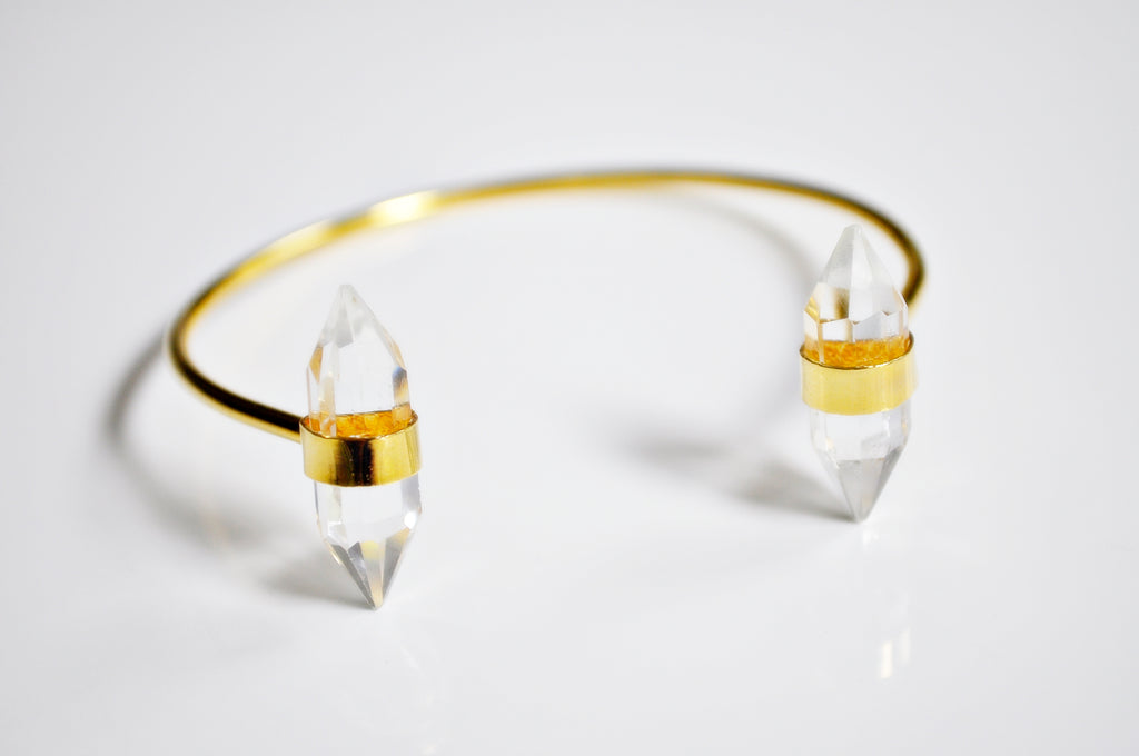 Point quartz open Bangle