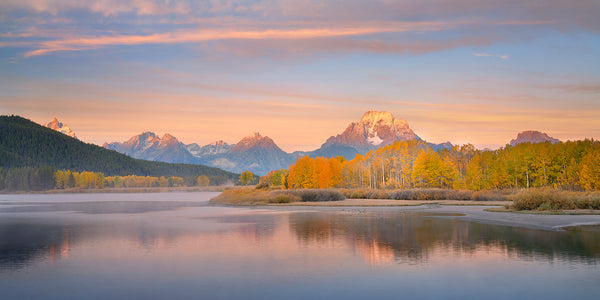 Grand Teton National Park at Oxbow Bend with autumn aspen trees.