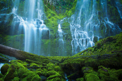 Proxy falls in oregon. By Lijah Hanley.