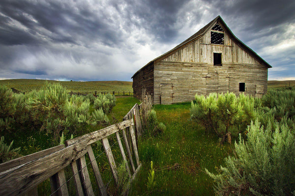 Barn in Baker City, Oregon. By Lijah Hanley.