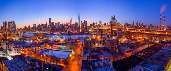 Photograph of the new york skyline from queens.