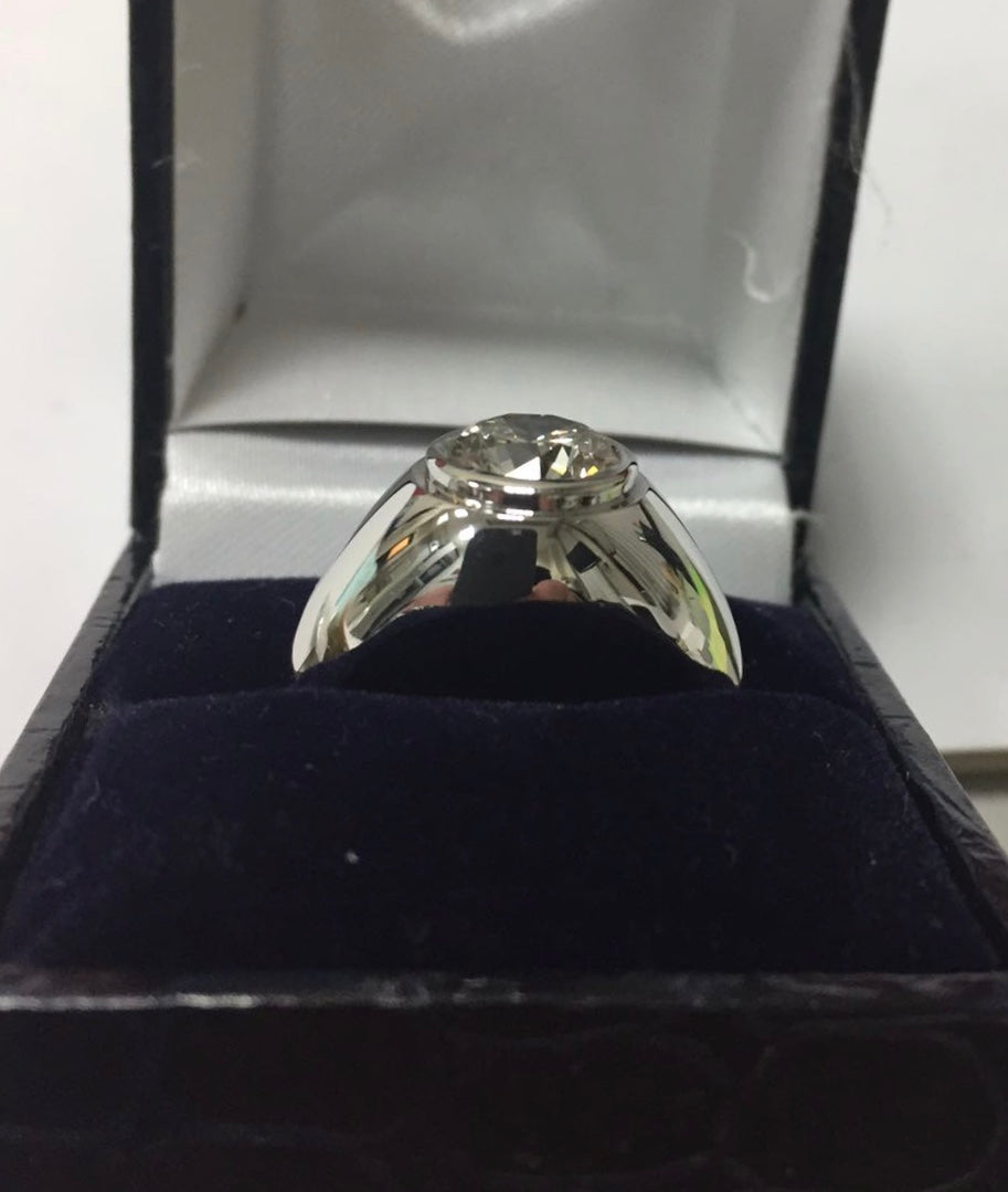 A platinum 2.58ct diamond signet ring