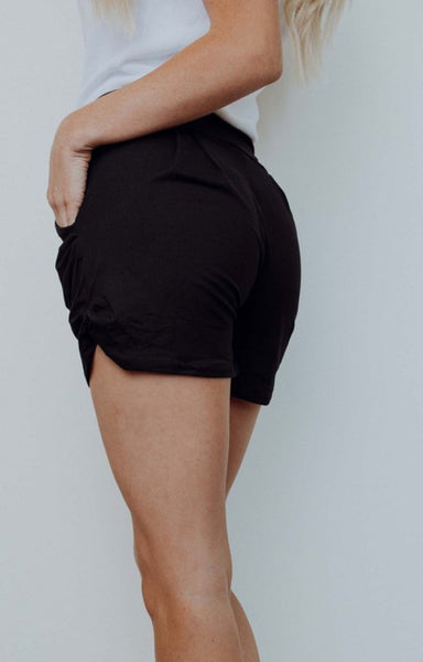 Heroine shorts in black