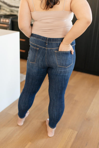 Judy Blue- Just In Time Dark Wash Jeggings