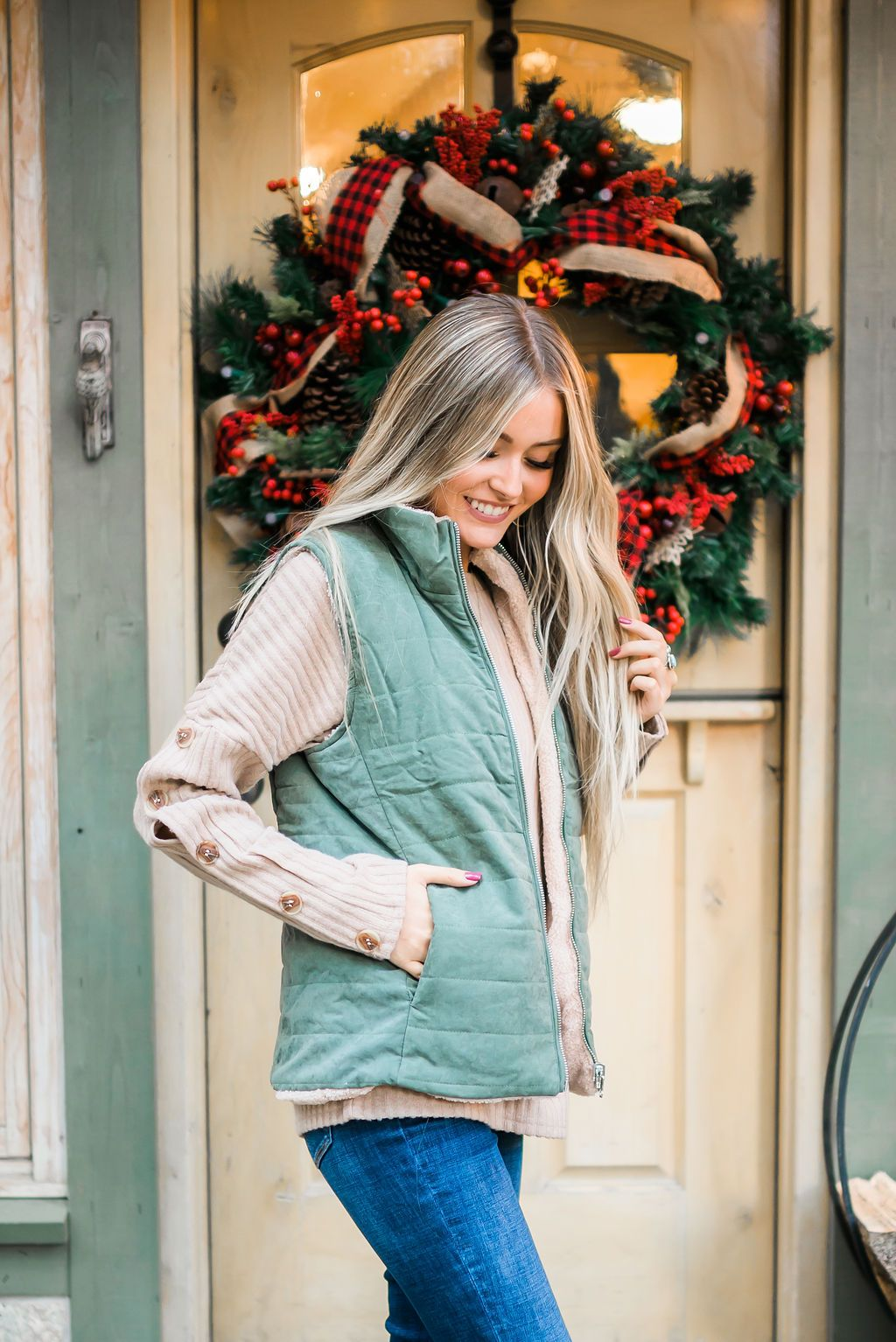 Reversible Shearling Puffer Vest In Army Green