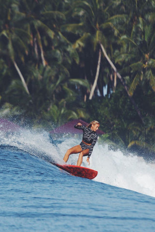 AMBER IN INDO