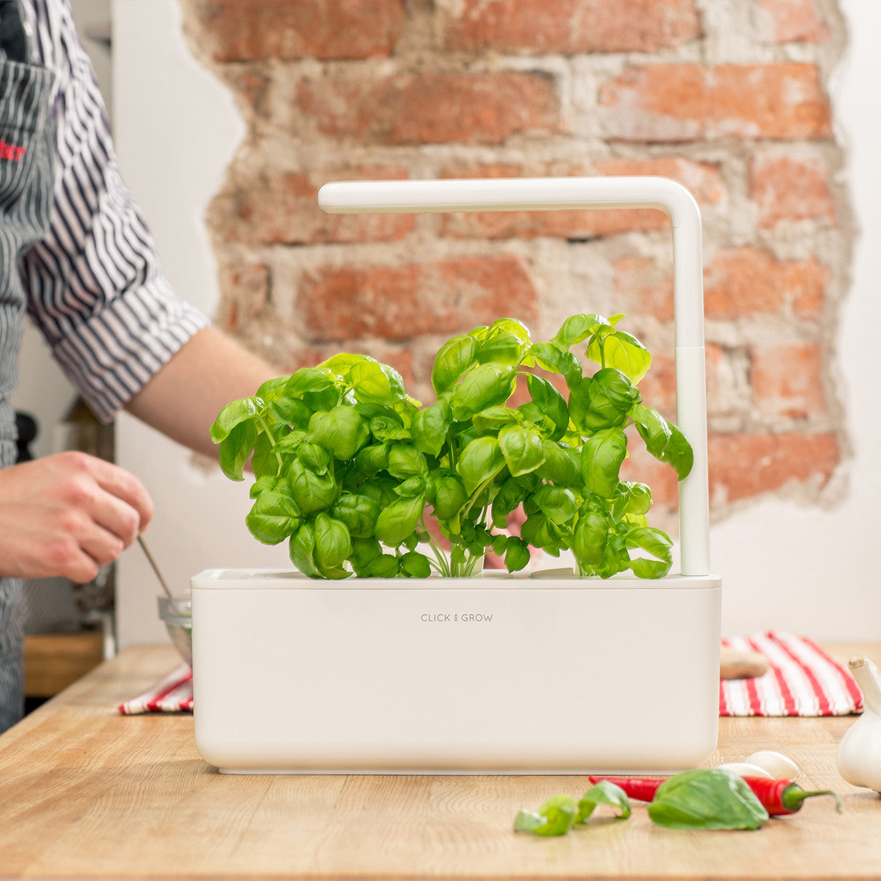Click & Grow Smart Garden 3 - Grow fresh food at home!