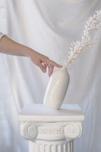 Load image into Gallery viewer, Porcelain Pill Vase