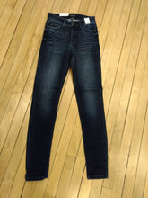 "Load image into Gallery viewer, 82132- 29.5"" Inseam Super Dark Skinny"