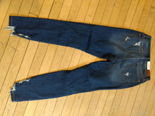 "Load image into Gallery viewer, 82139- 27.5"" inseam, hi rise cropped skinny"