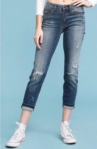 8271 - Judy Blue Destroyed Relaxed Fit Jeans