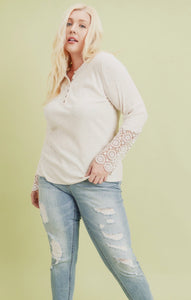948 - PLUS Crochet Button Basic Top