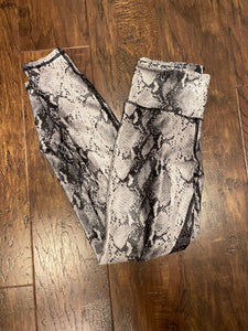 2585 - Suited Snake Leggings