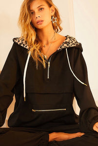 2465 - Leopard Detail Hooded Pullover