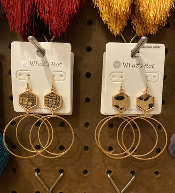 Whats Hot Hoop with Print Hexagon earrings