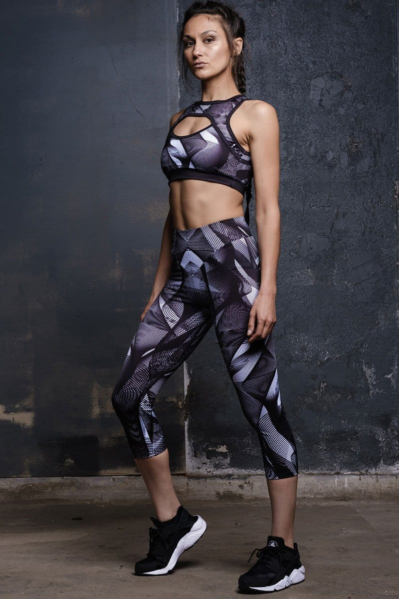 capri-leggings-black-hypnotic