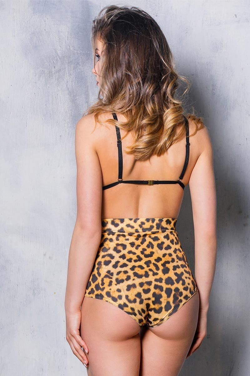 leopard-high-waisted-shorts