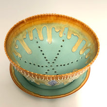 Load image into Gallery viewer, Handmade Berry Bowl With Plate