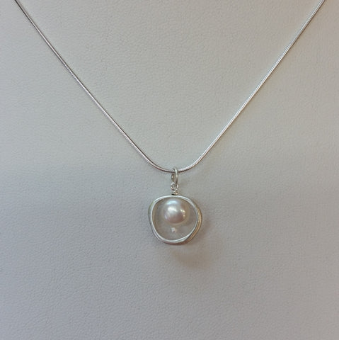 Organic Circle with Pearl Necklace