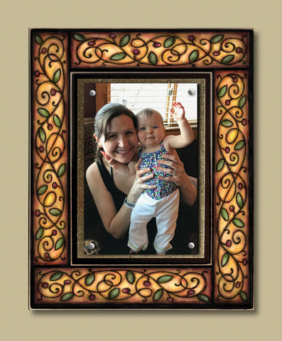 Magnetic Picture Frame - 'Brown Berry Vine'