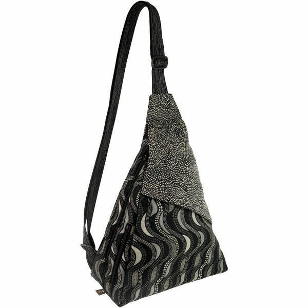 GoGo Bag in Fluid Black